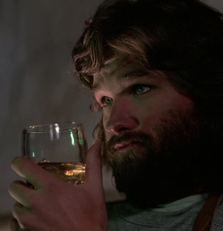 MacReady_plays_chess_-_The_Thing_(1982)